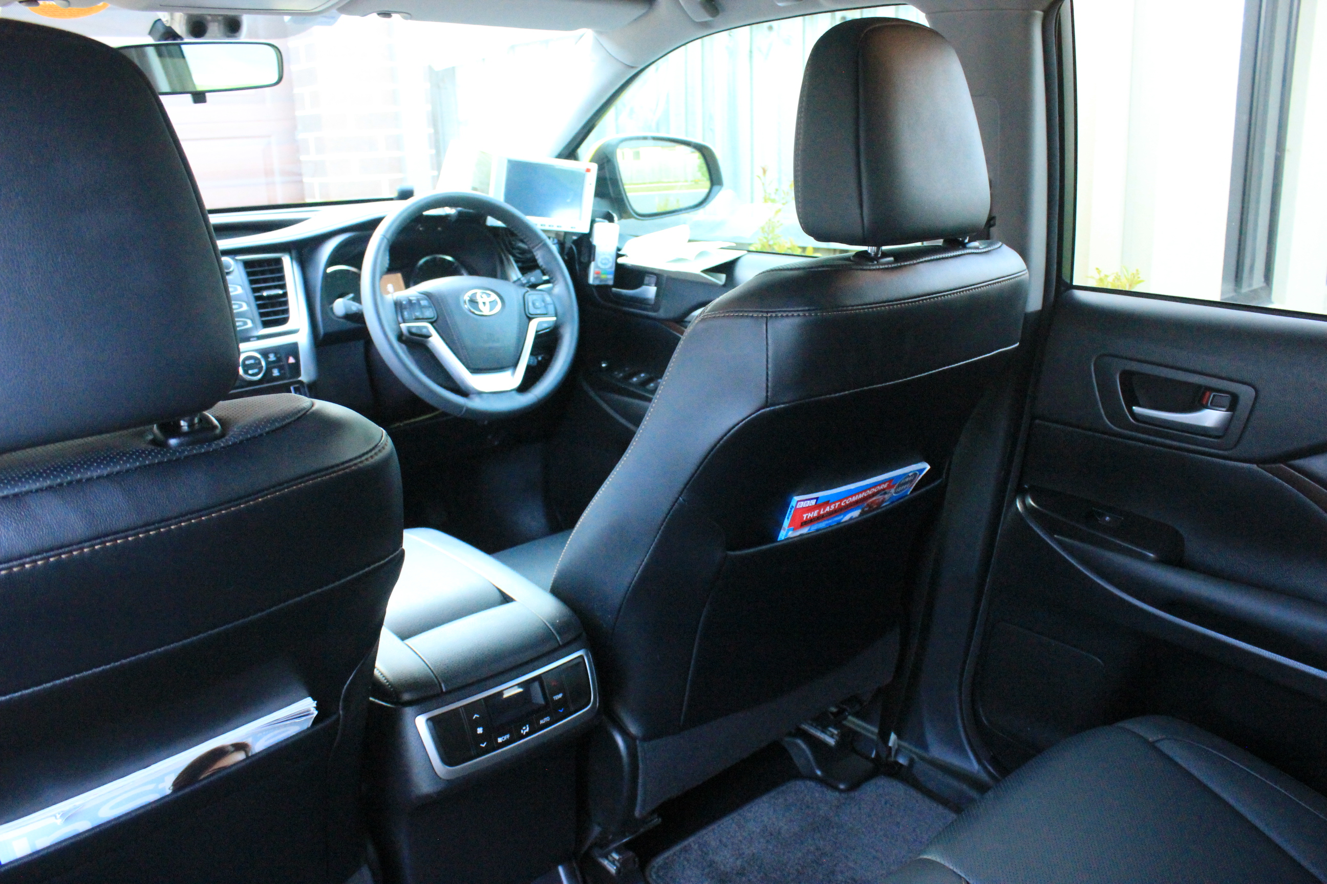Melbourne Eastern Taxis - Clean, Premium Cars - Car Interior (Toyota Kluger GXL)